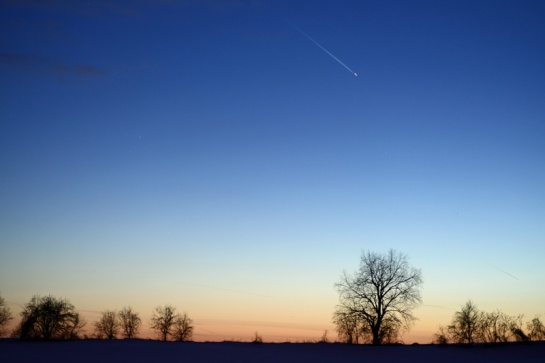 The horizon west of Brantford, Ontario, at 7 PM on 8 March 2013: too late to see PANSTARRS. Did see lots of planes, though.